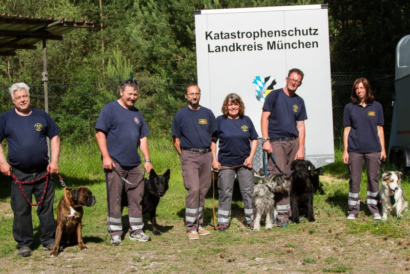 RettungshundestaffelWiesbaden-TrainingstageHochbrück2017